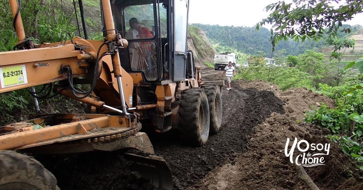 Comuneros de represa son atendidos en vía de accesos