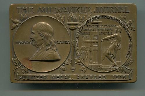 1919 Milwaukee Journal Pulitzer plaquette obverse