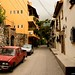 Cars and Houses on Cuauhtemoc por David J. Greer