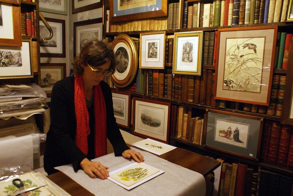 > A l'intérieur de la Librairie de livres anciens Dallai à Gênes.