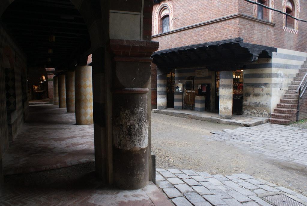 Ruelle principale du Borgo medievale de Turin.