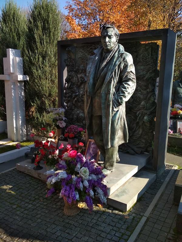 Москва - Новодевичье кладбище - Вячеслав Тихонов