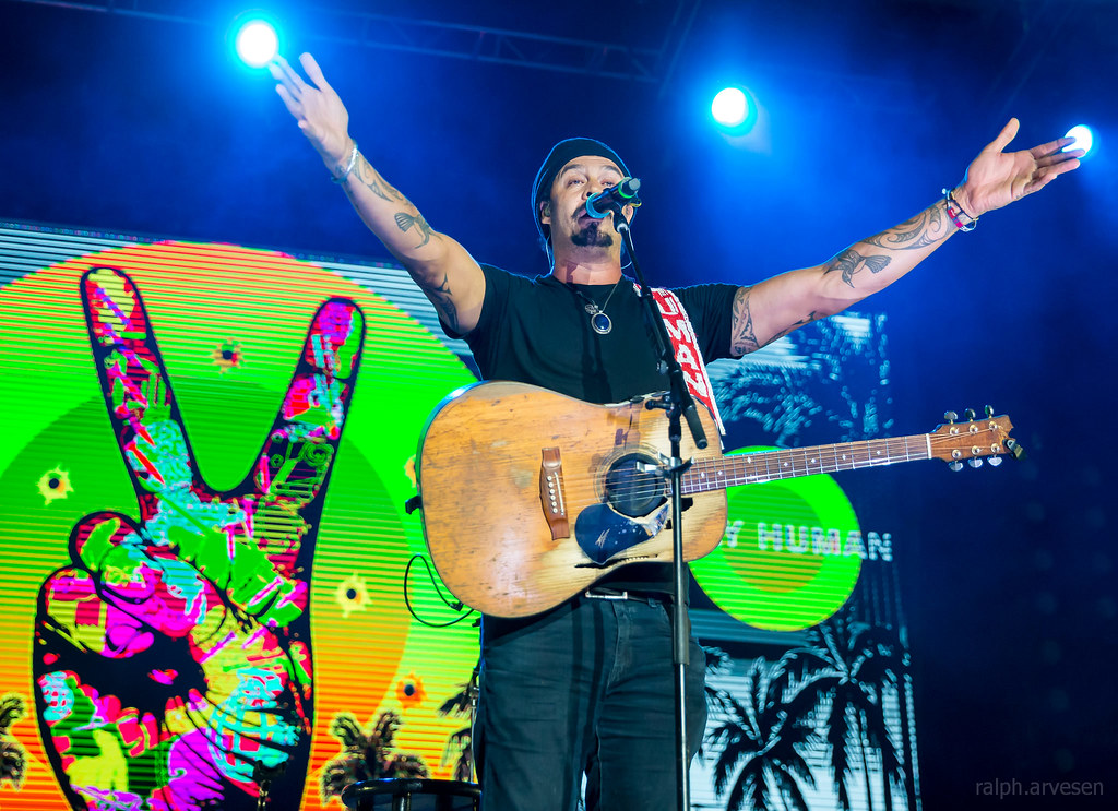Michael Franti | Texas Review | Ralph Arvesen