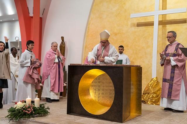 Consécration de l'autel de Sainte-Lucie d'Issy-les-Moulineaux