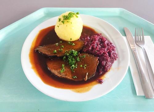 Marinated pot roast with red cabbage & potato dumpling / Sauerbraten mit Apfelblaukraut & Kartoffelknödel