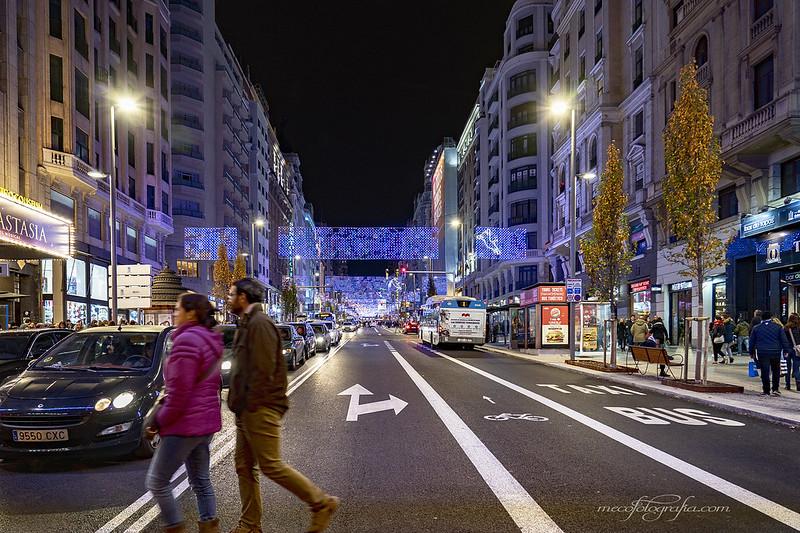 Cruzando la Gran Via en Urbana y Arquitectura45194356255_9df3471dae_c