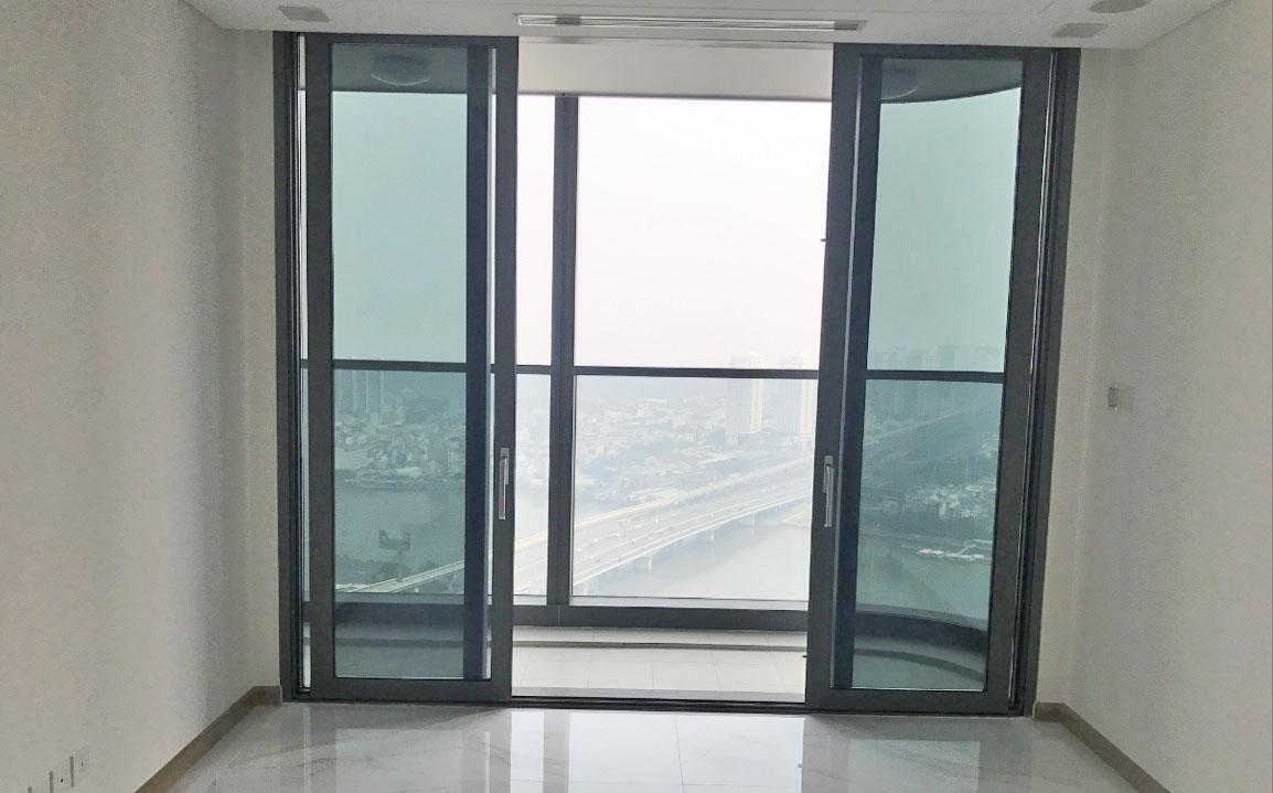 Cửa căn hộ officetel landmark 81 cho thuê.