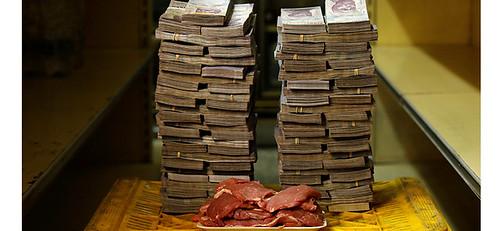 若想買1公斤的肉片,也要花950萬玻利瓦。委國的經濟危機連帶造成糧食匱乏,不僅人民營養不良,麻疹、瘧疾等疾病,更再度肆虐當地難民。