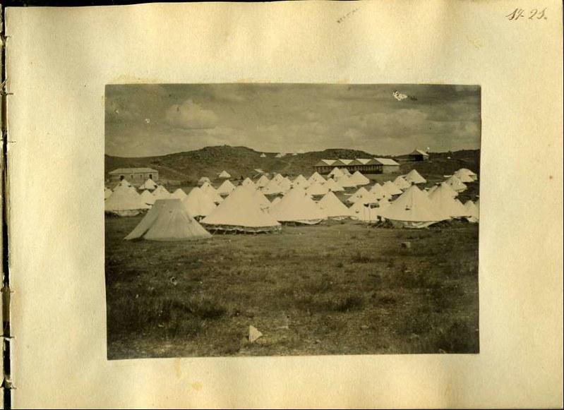 Campamento en los Alijares. Álbum con fotografías de Toledo hacia 1890. Fototeca del Museo del Ejército, signatura MUE 120476