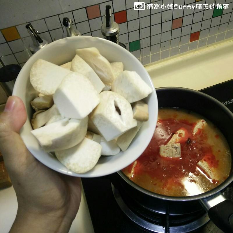 酒窩小姊生活日常-在家煮麻辣臭豆腐鍋