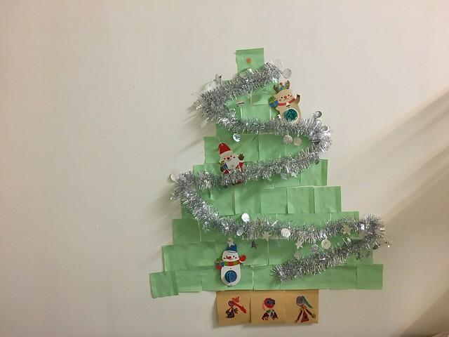 我們家又做了聖誕樹啦