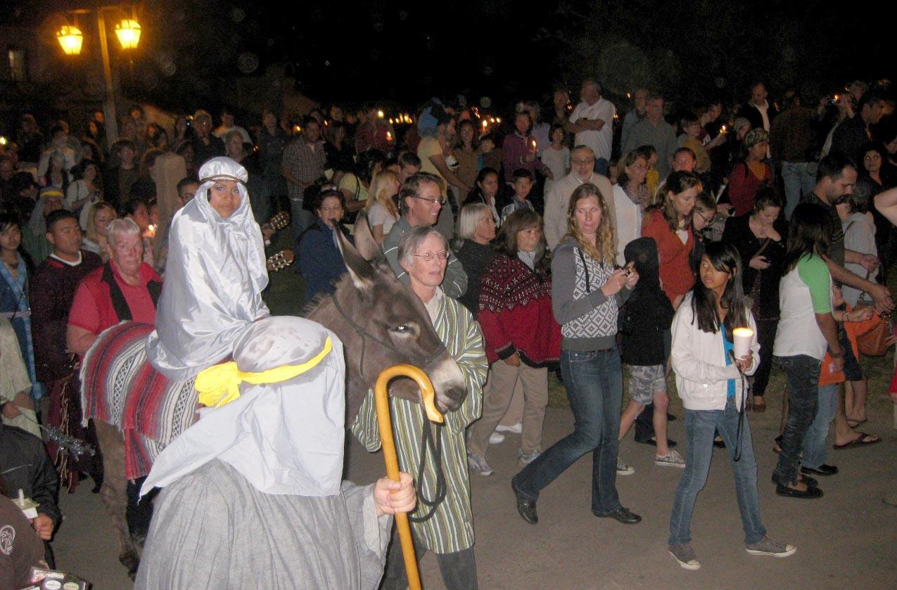 Las Posadas processions in México.