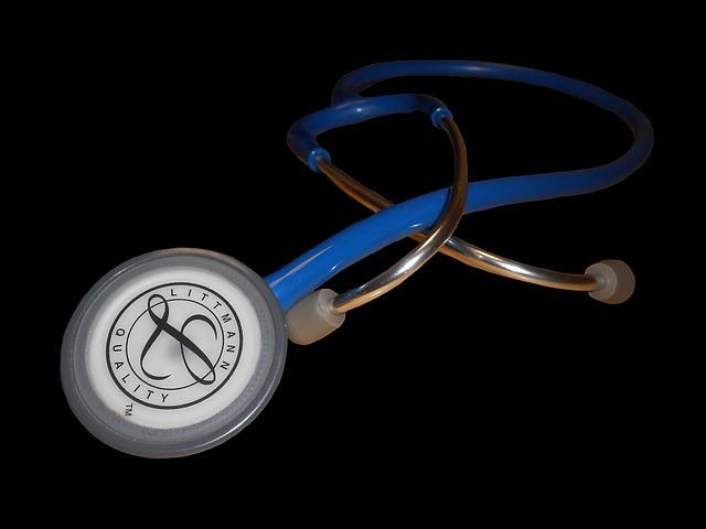 犬の健康診断で必ず行う聴診