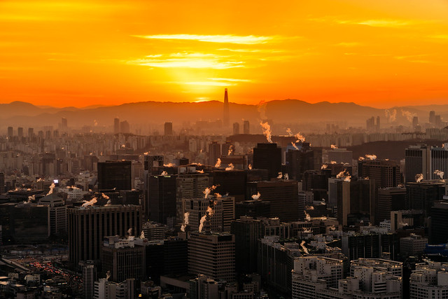 Sunrise scene of Seoul, Sony ILCE-6500, E PZ 18-105mm F4 G OSS