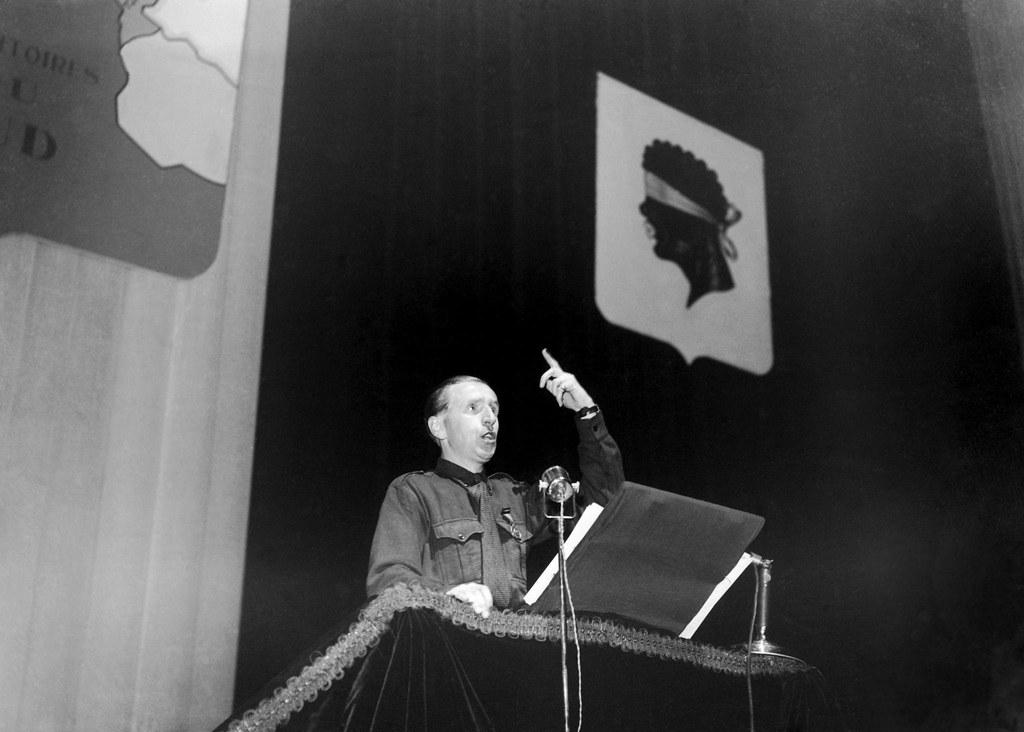 1942. Выступление праворадикального французского журналиста Жана-Эрольда Паки, члена Французской народной партии, сторонника нацистов