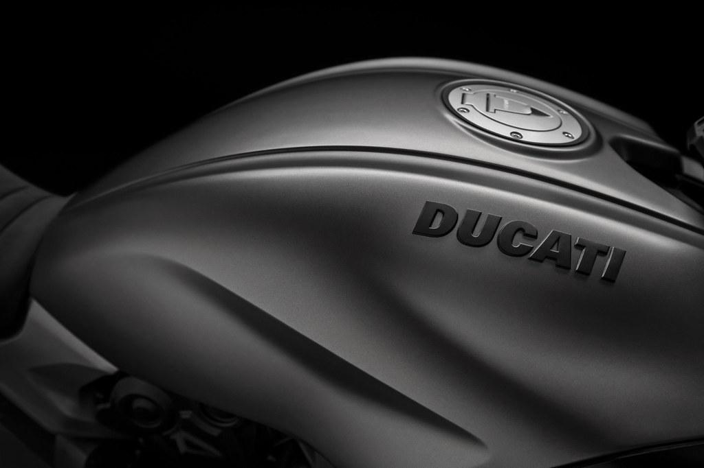 Ducati DIAVEL 1260 S 2019 - 16