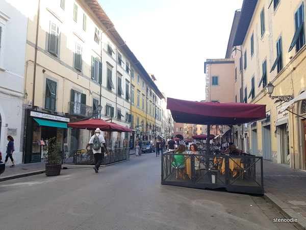 Patios and restaurants in Pisa