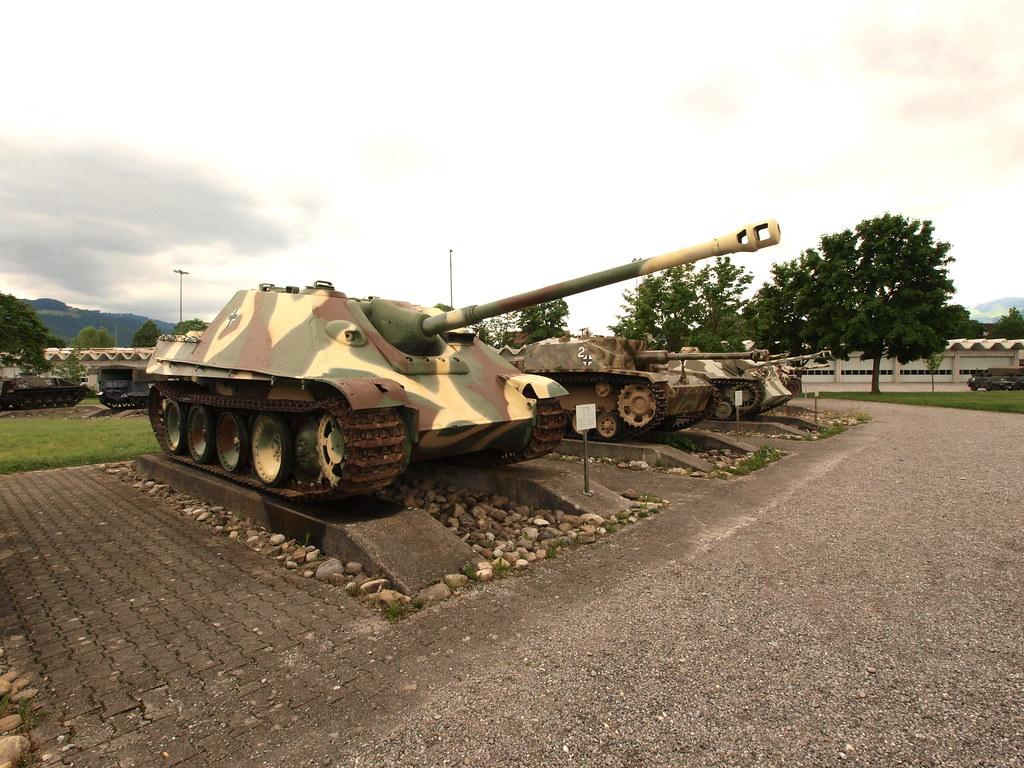 Jagdpanther_Tank_Destroyer_pic01