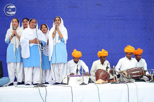 Devotional song by Mahila Sewa Dal volunteers