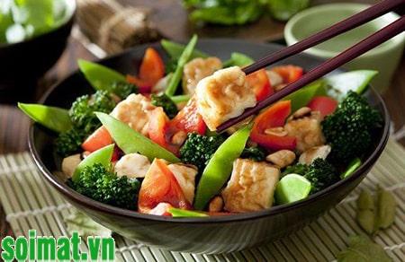 Ăn nhiều rau xanh giúp làm giảm triệu chứng do sỏi mật gây ra