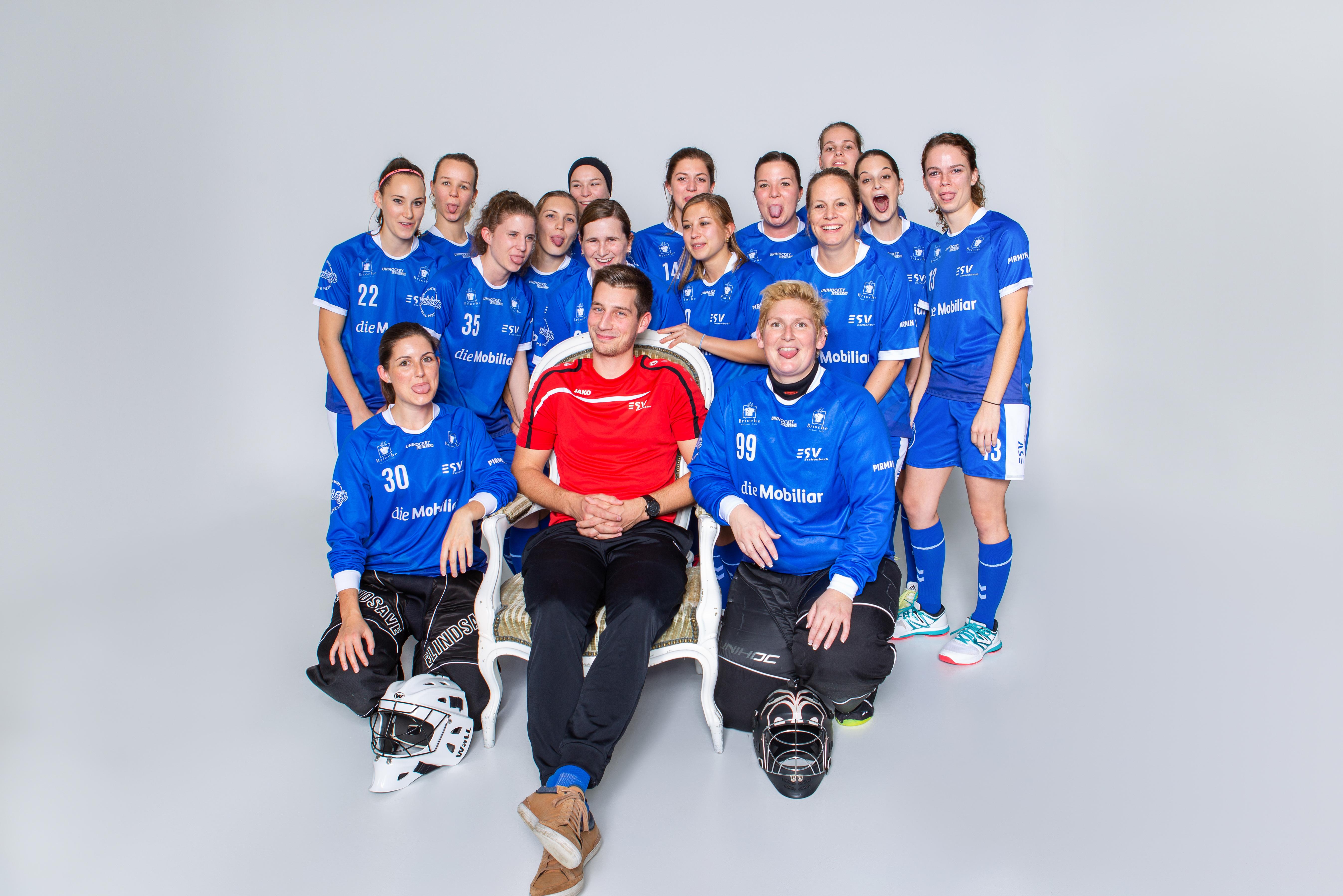 Erste ESV Damen Unihockey Grossfeld-Saison und gleich ungeschlagen!