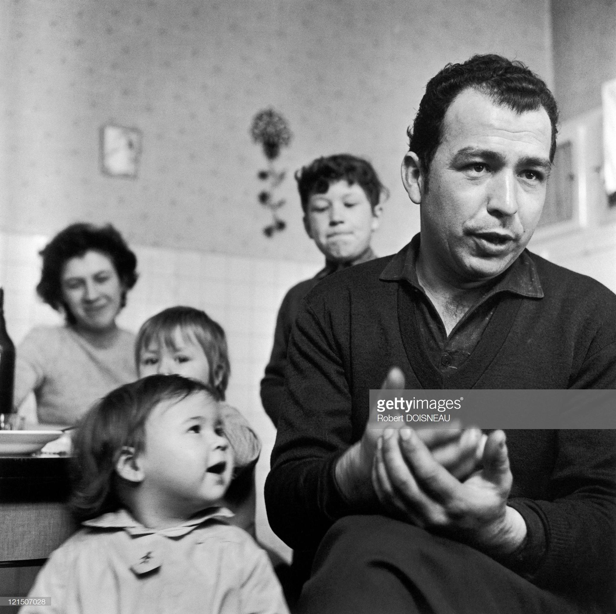 1963. Несовершеннолетние на забастовке. Ланс