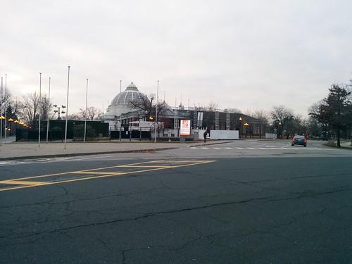 Looking west #toronto #exhibitionplace #princesblvd #princesboulevard #winter #grey #gray