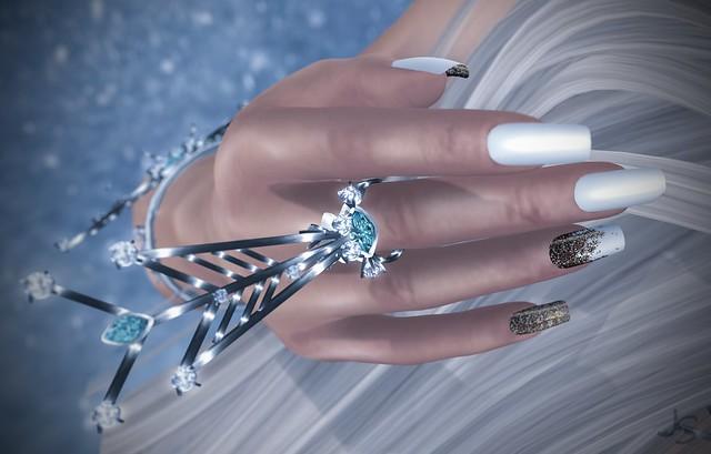 Fancy Glitter White Nails