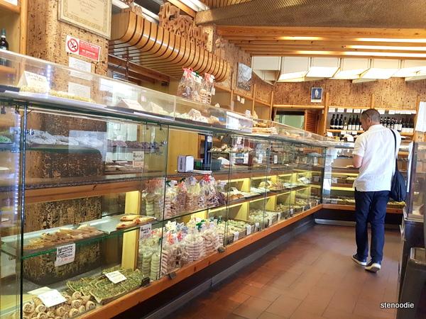 Il Fornaio Bakery interior