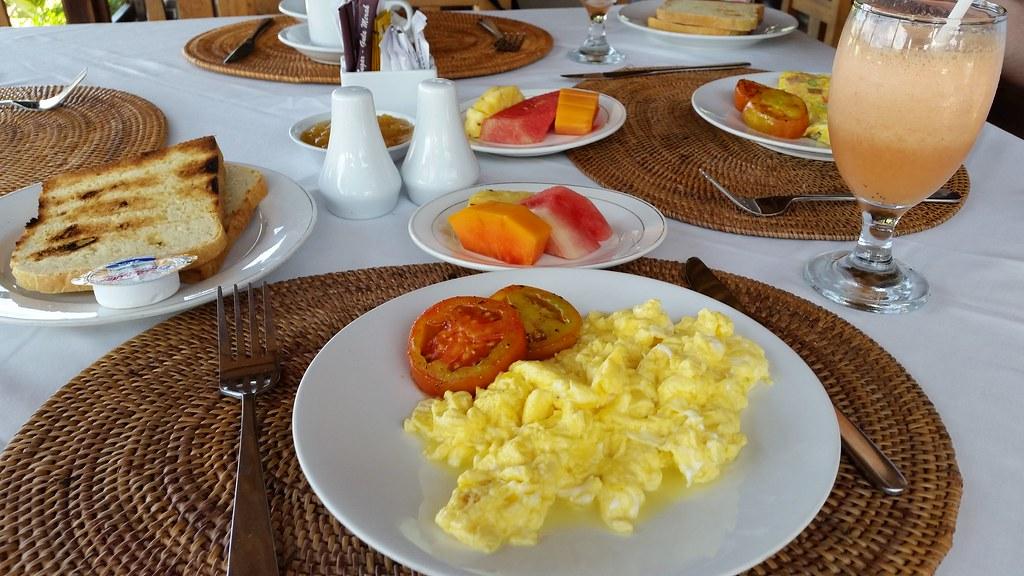 Sawah Indah Villa śniadanie Bali
