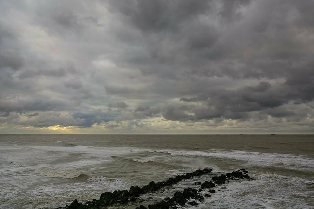 Himmel über der Nordsee, Nikon D7100, AF-S DX VR Zoom-Nikkor 16-85mm f/3.5-5.6G ED