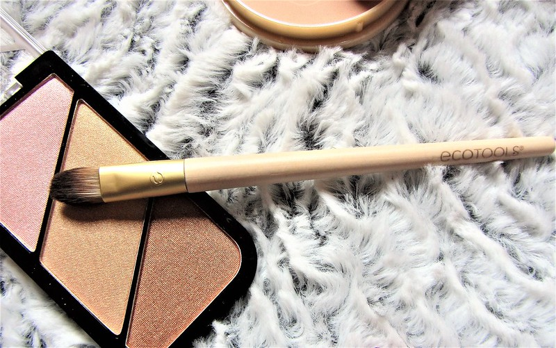 france-maia-pinceaux-maquillage-eco-tools-thecityandbeauty.wordpress.com-blog-beaute-femme-thecityandbeauty.wordpress.com-blog-beaute-femmeIMG_1512 (3)