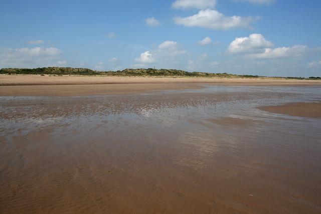 The coast north of Chapel St Leonards