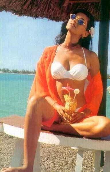 Bikini Evolution – Bollywood actress in Bikini or Swimwear - fashionflavours.com 1990s (6)