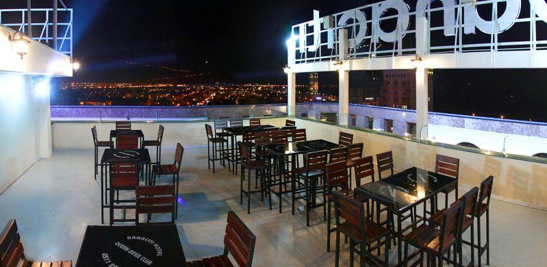 Bàn ghế Beer Club tại khu vực SKY BEER CLUB  tại DANACITI HOTEL - Đà Nẵng