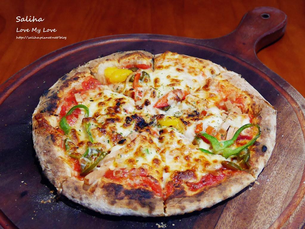 台北忠孝新生站好吃素食披薩餐廳義大利麵misha caffe (3)