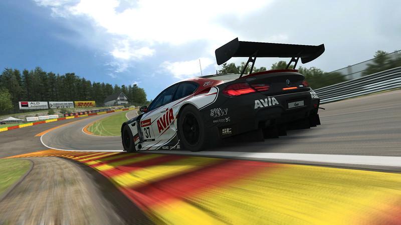 RaceRoom AVIA eSports Competition