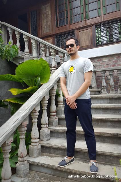 halfwhiteboy - gudetama t-shirt and jeans 03