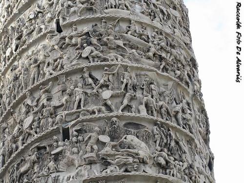 1930 2010 Colonna Antonina, la pioggia miracolosa, in alto Giove Pluvio,b