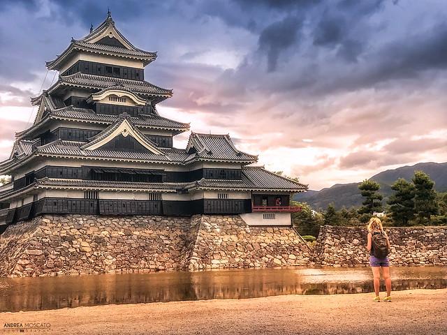 Watching the Castle - Matsumoto (Japan)