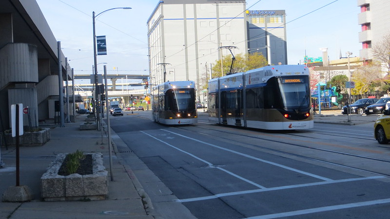 20181103 23 Milwaukee Hop streetcar near Intrermodal stop