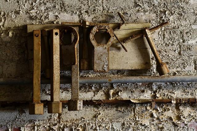 Compressor tools