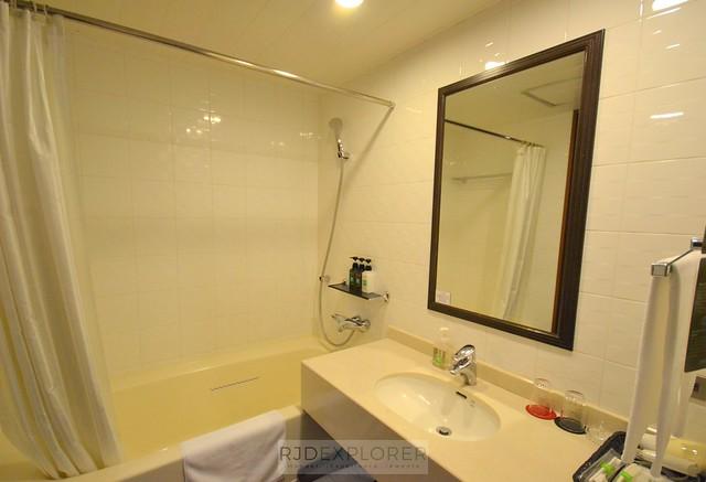 ibis styles sapporo bathroom