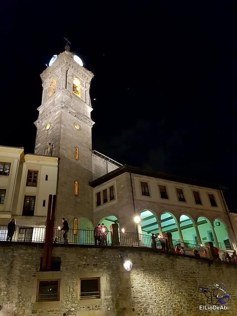 13.000 velas iluminan el Casco Viejo de Vitoria Gasteiz en la Noche de las Velas  (6)