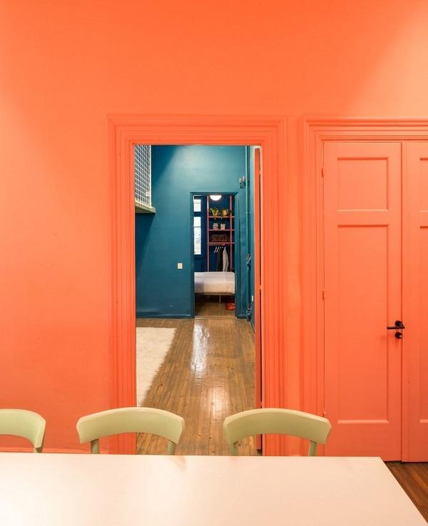 Màu sắc chính trong ngôi nhà sử dụng màu cam san hô