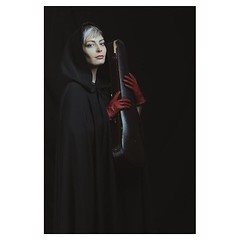 Winter is coming . #xt3 #fujixt3 #fujifeed #fujifilm #fujilove #fujifilmfrance #myfujilove #fujifilm_xseries #fujifilmnordic #fujifilmme #fujifilm_uk #fujixfam #twitter #geoffroyschied #35mmofmusic @verenamariafitz #munich #portrait #musician #violinist #