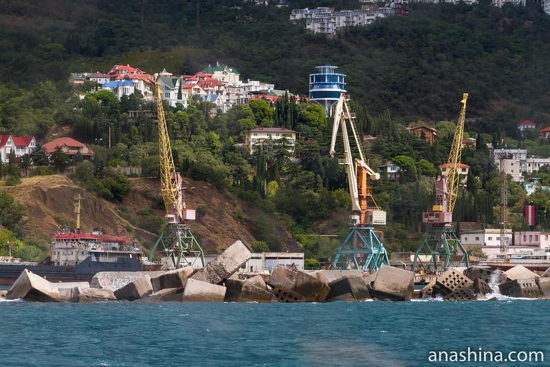 Грузо-пассажирский Ялтинский порт, Ялта, Крым
