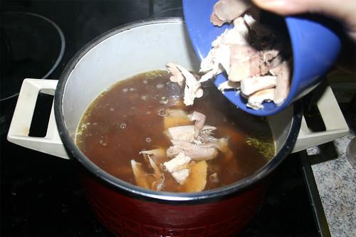 55 - Hühnerfleisch dazu geben / Add chicken