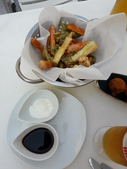 Vegetable Tempura with two sauces, Pida por esa Boquita, Restaurant  Valladolid