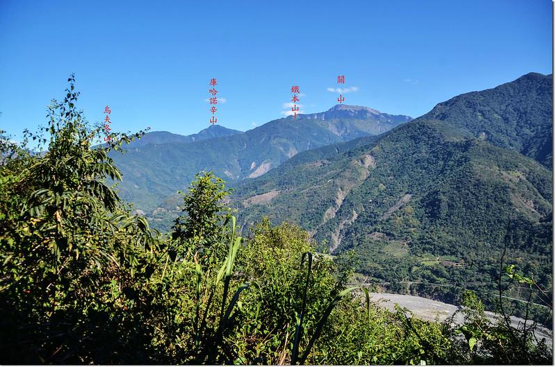 濁水溪山途中(海拔1033 m)東北眺群山 1-1